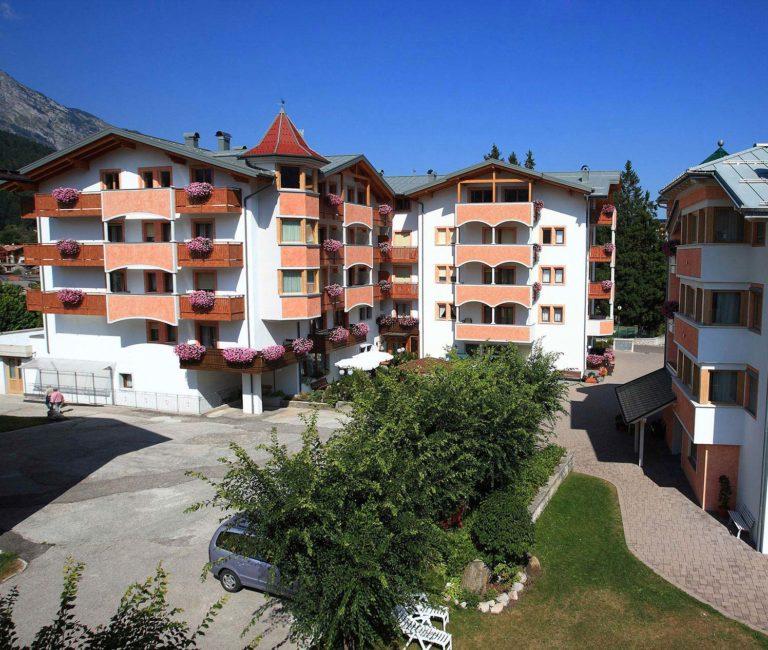 Esterno Hotel Select ad Andalo