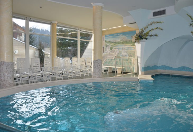 Vasca idromassaggio centro wellness Hotel Select